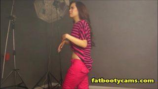 Hot Korean Popstar goes nude! – fatbootycams.com