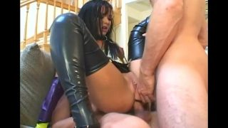Threesome in latex stockings and gloves