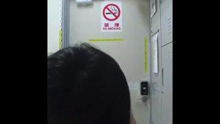 China 国产 清纯98后高中妹子高清自拍摆弄骚姿好像操死她