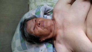 中年大鸡巴插老奶奶
